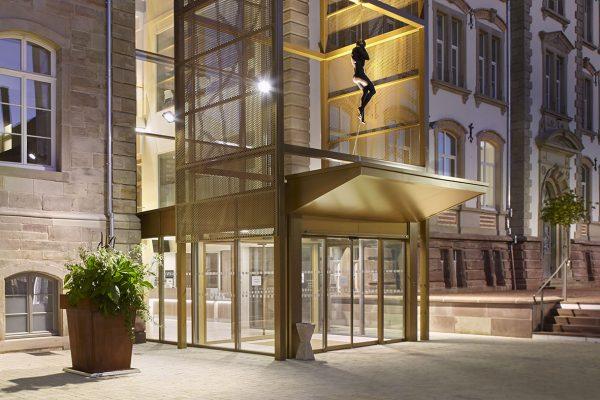 hotel de ville de sarrebourg de nuit